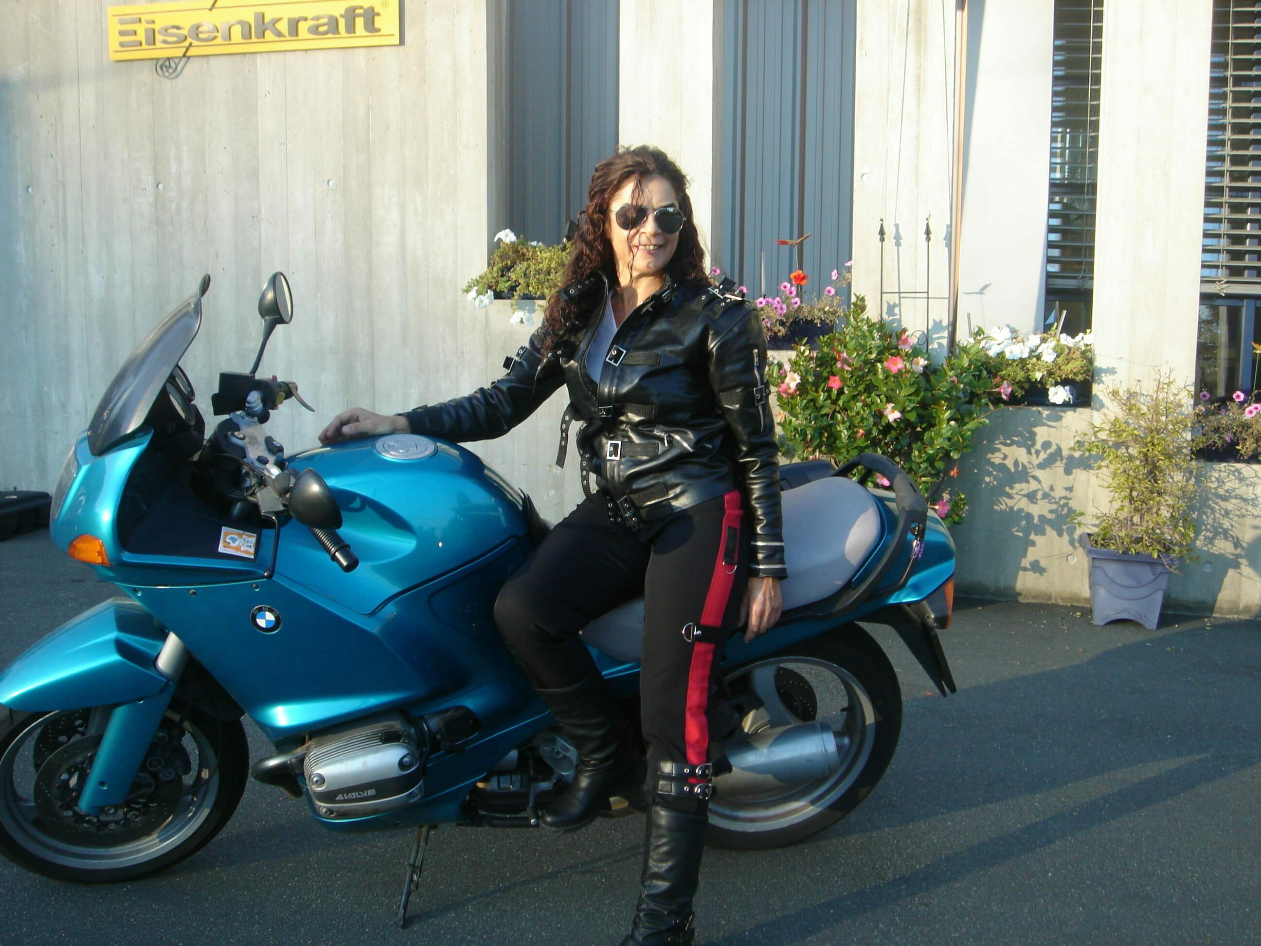 michael-jackson-BAD-leather-jacket/BMW008.jpg