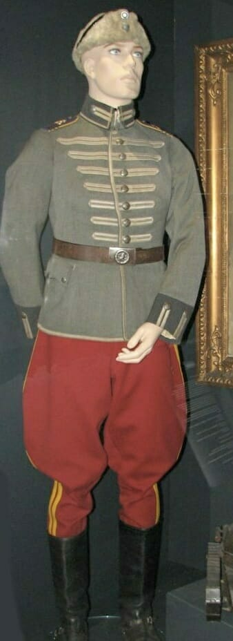 https://thejacketshop.co.uk/wp-content/uploads/2018/10/products-finnish-dragoons-1922-uniform.jpg